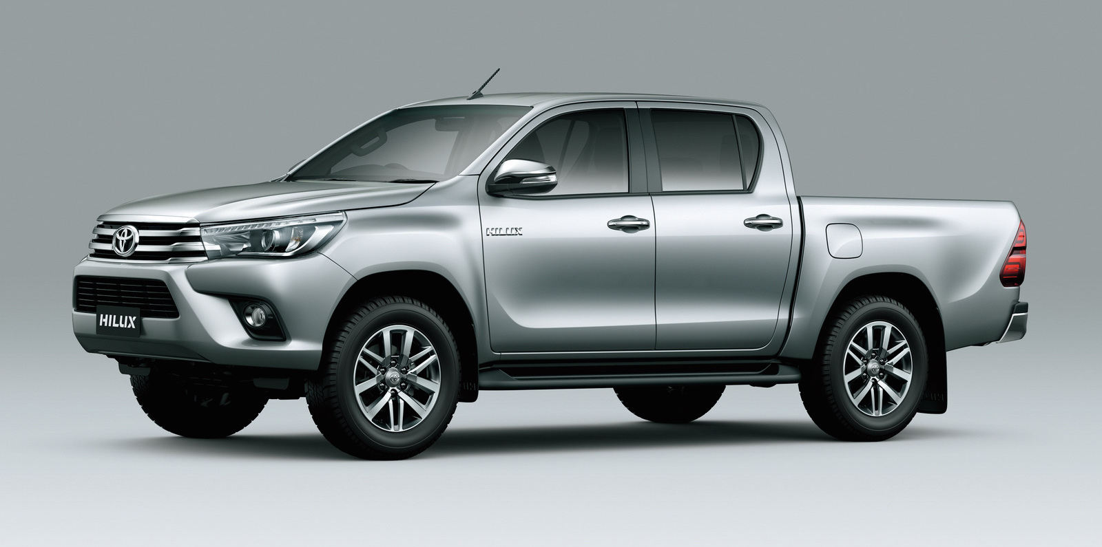 2016-toyota-hilux-double-cab-front-three-quarter-press-image